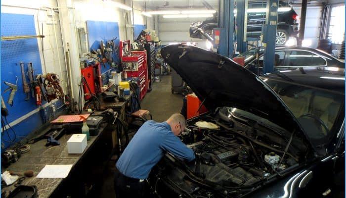 Équipe d'experts | BM Service Exclusif | Garage mécanique | BMW, Audi, Volkswagen et MINI à Montréal